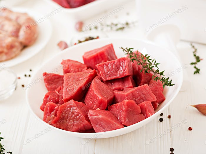 Chopped raw meat.