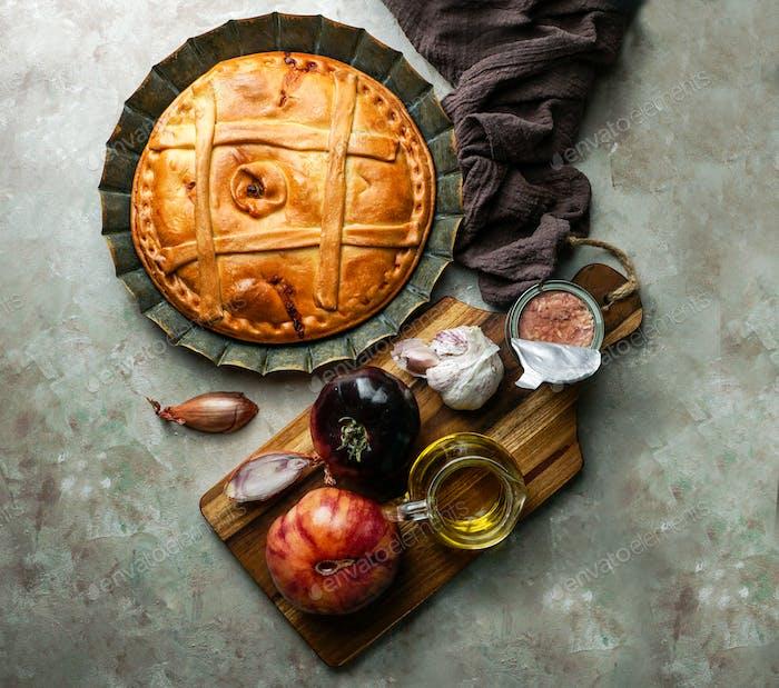 empanada de atun gallega ist eine Art von gebackenen Lateinamerika und Spanien, Galicien
