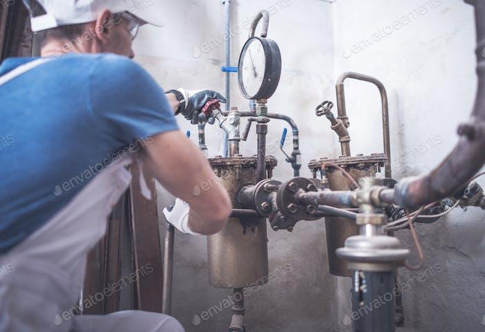 Plumbing Worker Job