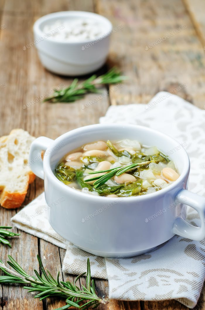 Rosemary white bean spinach soup