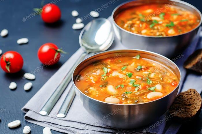 Tomaten Spinat weiße Bohnen Hirsesuppe