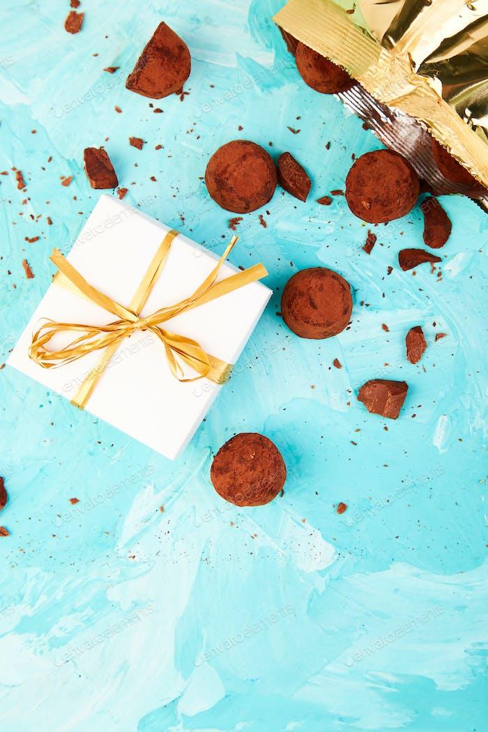 Schokolade Süßigkeiten Trüffel fallen aus