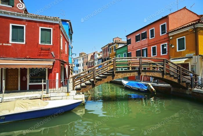 Venedig Wahrzeichen, Burano Insel Kanal, Brücke, bunte Häuser und