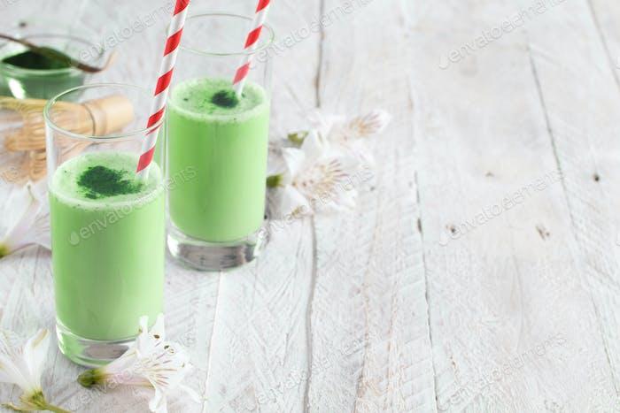Green matcha milk
