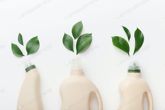 Verschiedene Flüssigwaschmittel für die nasse Hausreinigung