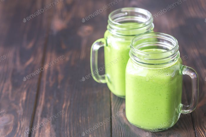 Avocado und Spinat Smoothies