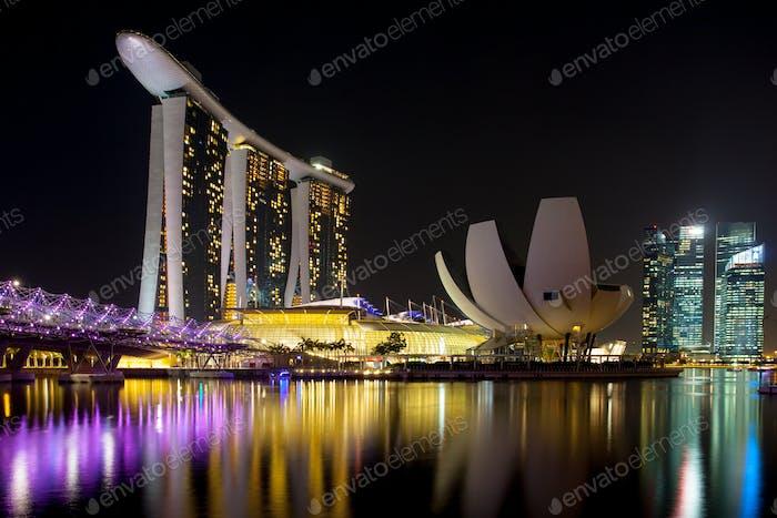 Marina Bay Sands Complex en la Noche