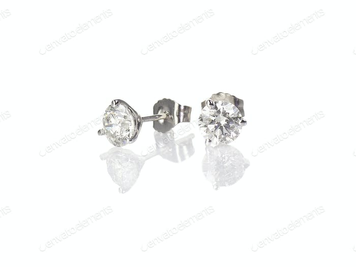 Diamond stud fine jewelry round brilliant pierced earrings