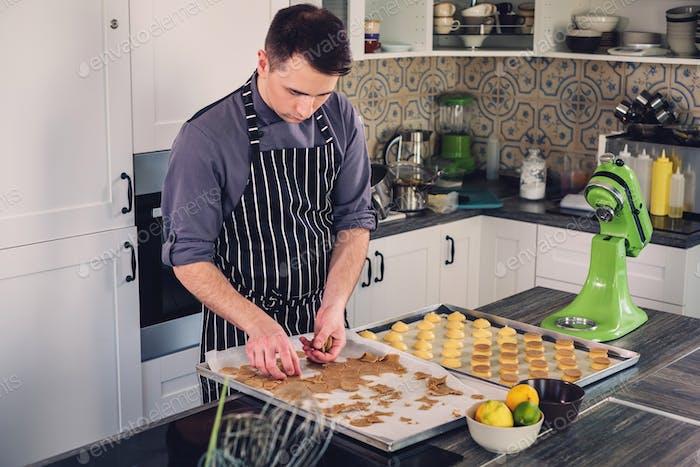 Chef cocinero Trabajo en una Cocina Moderno en Página de inicio