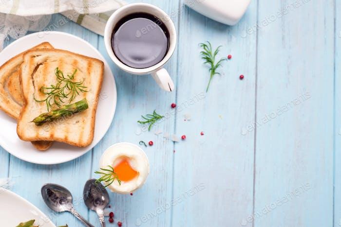 egg and asparagus