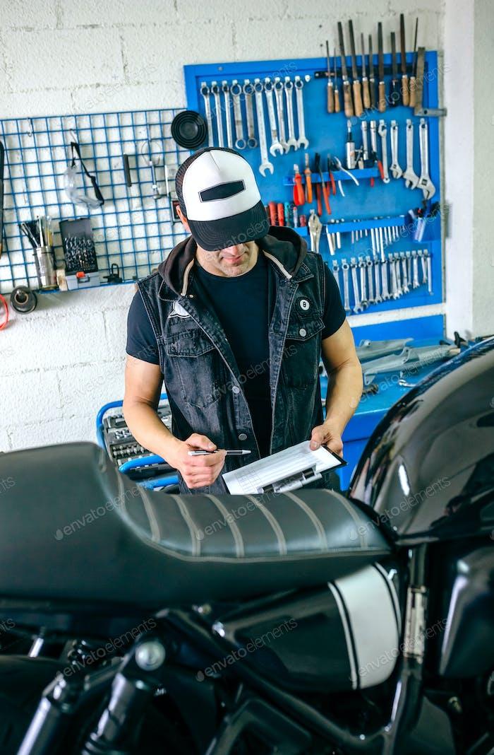 Механическая проверка мотоцикла