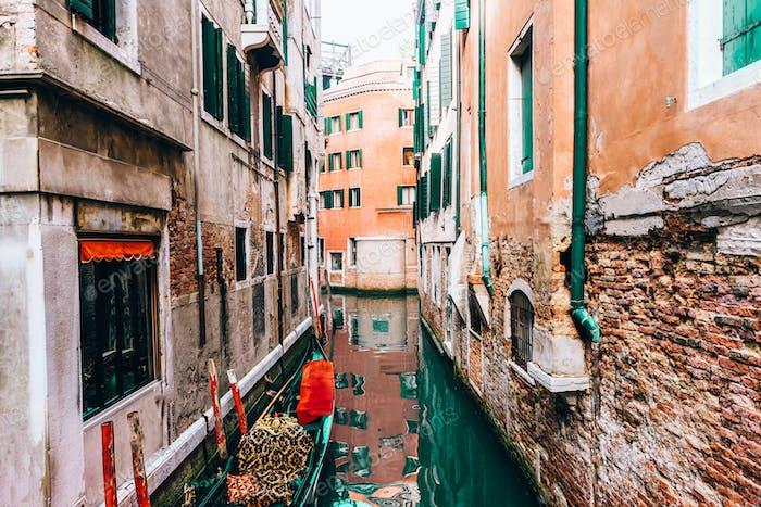 enge Kanäle von Venedig Italien