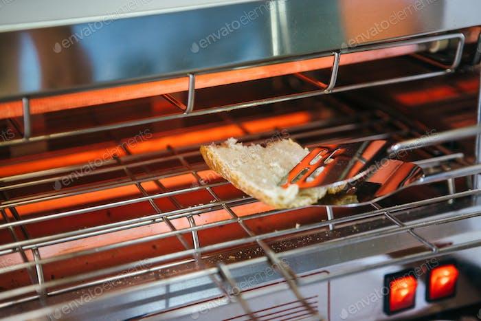 Toast baking process
