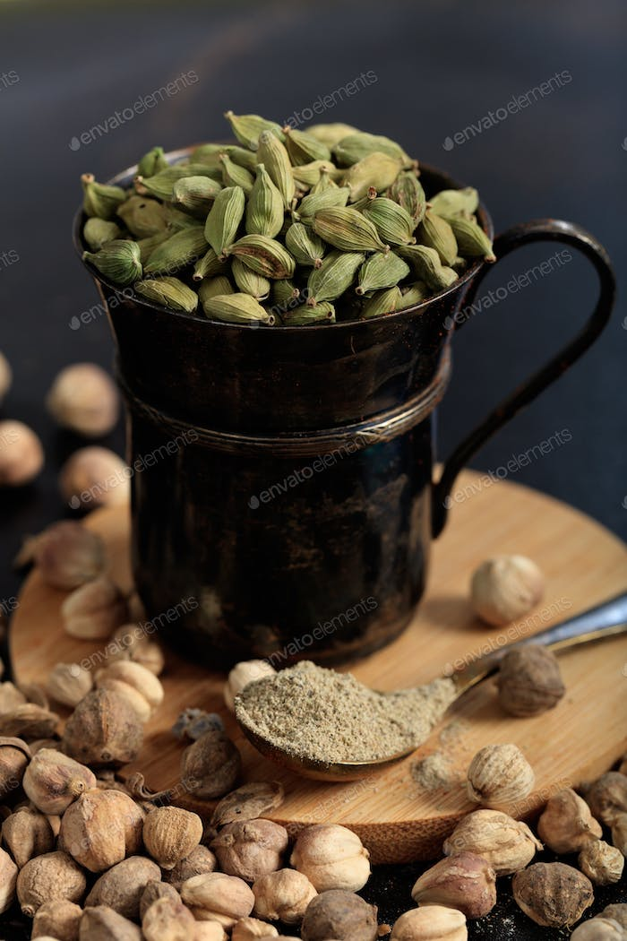 Cardamom seeds and powder