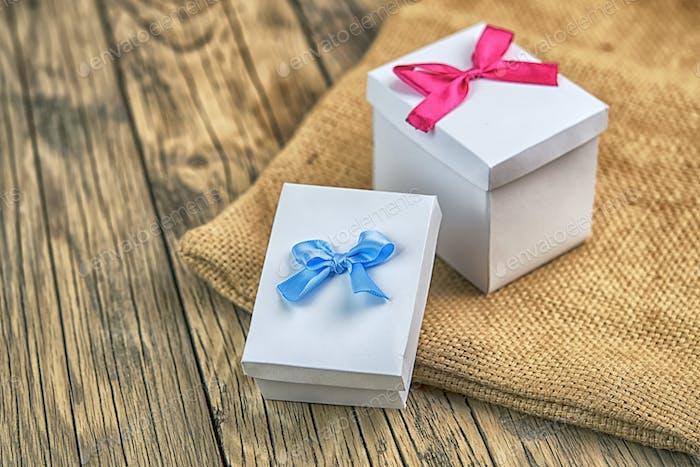 Handgefertigte Geschenkboxen