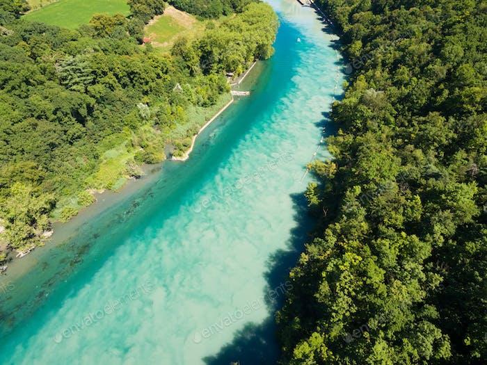 Luftaufnahme des Zusammenflusses Arve an Rhone in Genf Schweiz