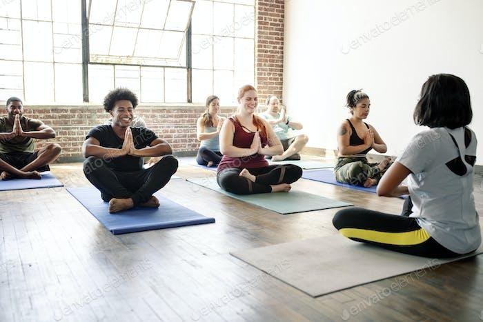 Beginn des Yoga-Kurses