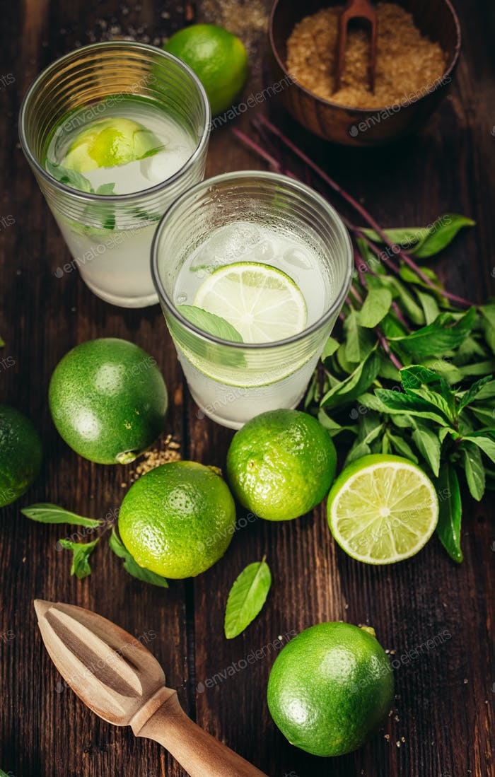 Mojito cocktails with lime and mint