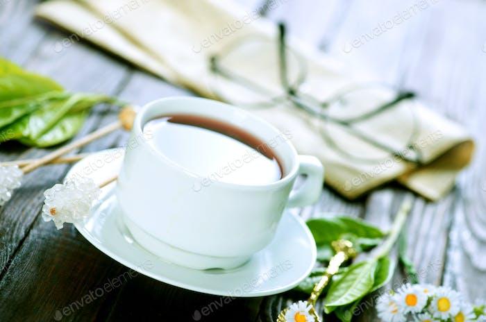 Tee in Tasse