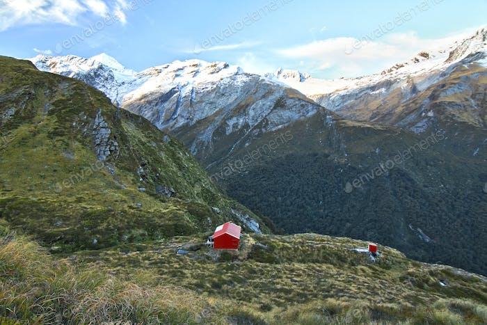 Liverpool Hütte auf einem Bergplateau in Neuseeland