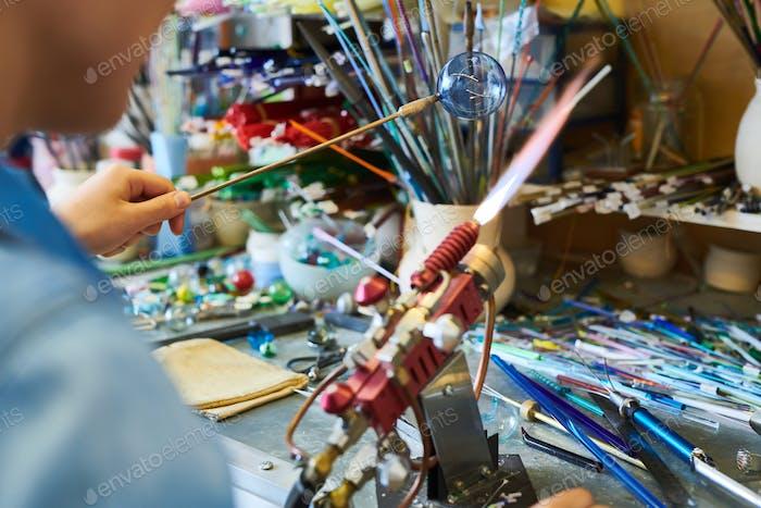 Künstler Doing Lampwork