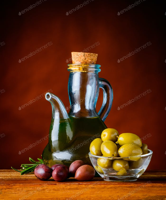 Olives with Olive Oilf