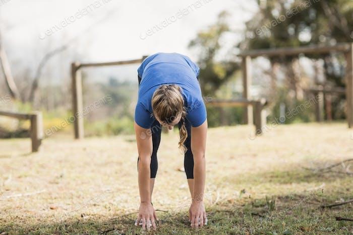 Fit Frau trainieren im Stiefelcamp