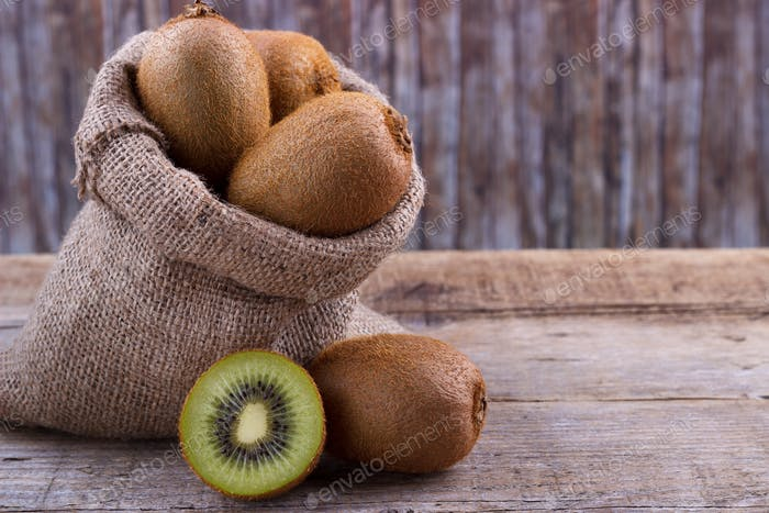 fres kiwi in a sack