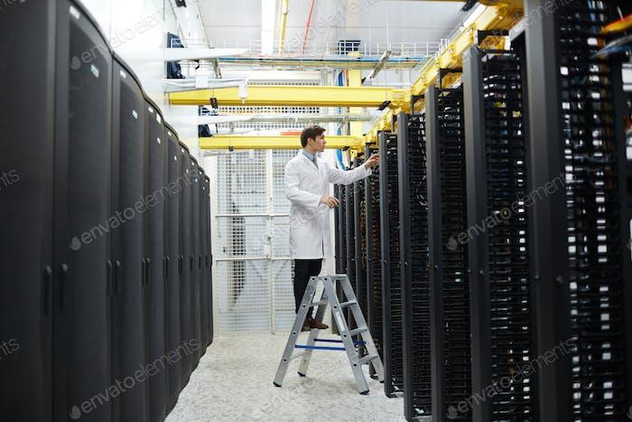 Service of storage center