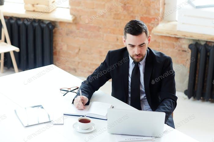 Analyst at work