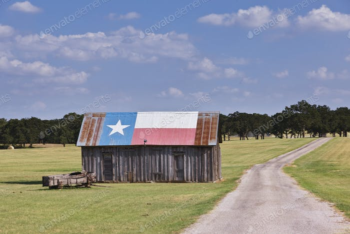 Scheune als Texas Flagge gemalt