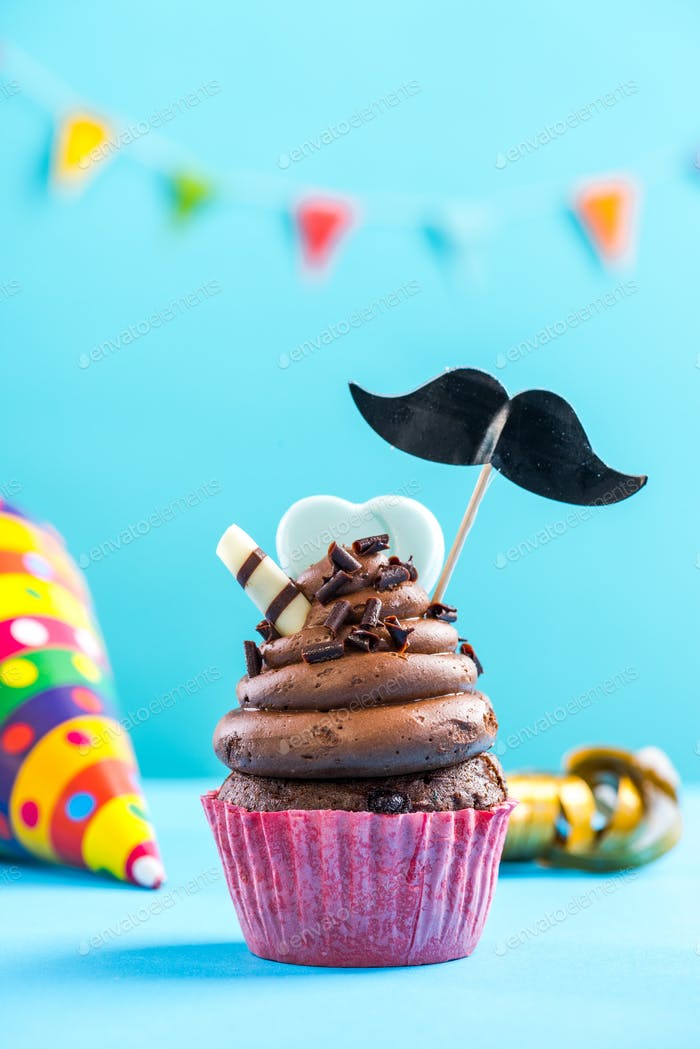 Cupcake mit Schnurrbart, Geburtstagskarte Mockup