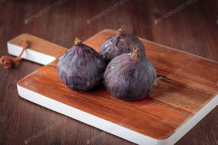 Fresh dark  figs