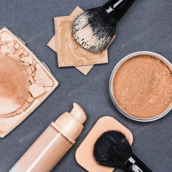 Set von Make-up-Produkten, um Hautton und Teint auszugleichen