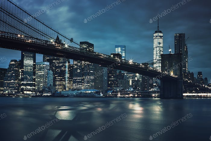 View of Brooklyn Bridge by night