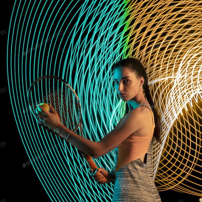 Kreativer Sport und Neonwellen auf dunklem Neon beleuchteten Linienhintergrund