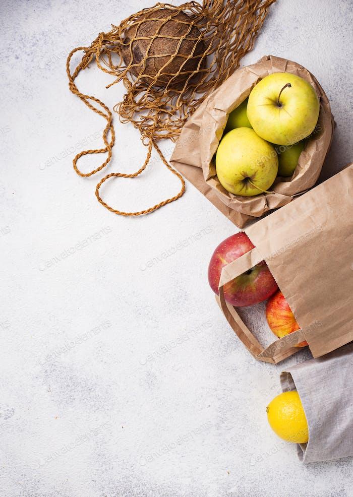 Embalaje ecológico. Bolsas de papel y algodón