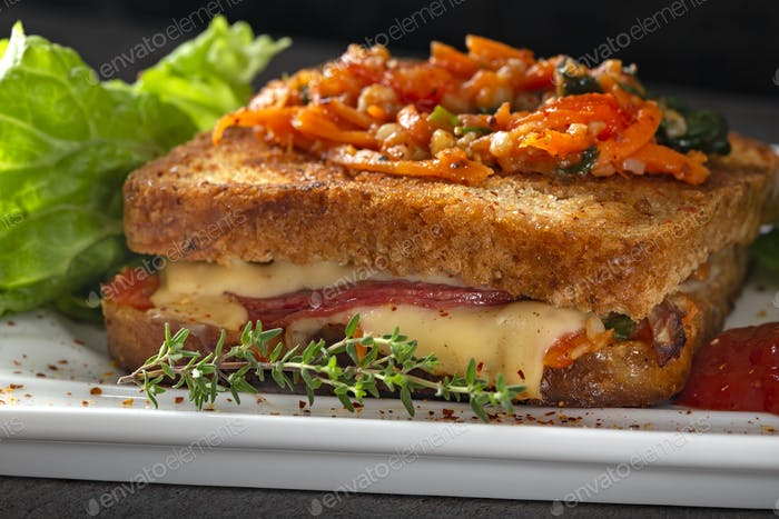 Worm sandwich