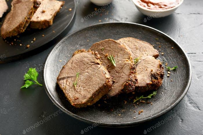 Gegrilltes Roastbeef in Scheiben geschnitten