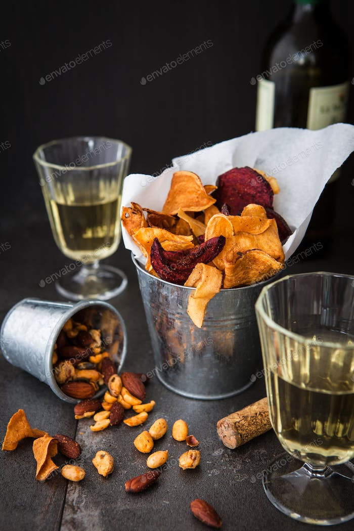 Savoury vegetable chips