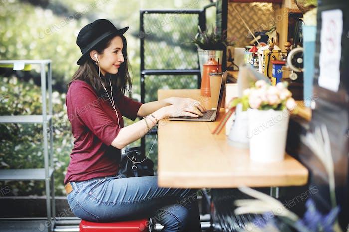 Mujer Ordenador portátil Comunicaciones Global Tecnología de redes Social