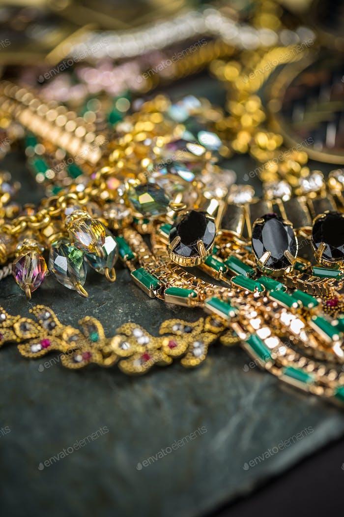 Fashionable female necklaces