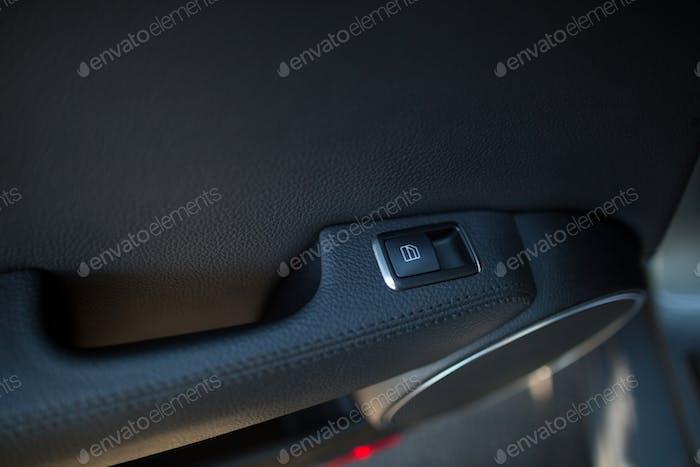 Fensterschalter im Auto