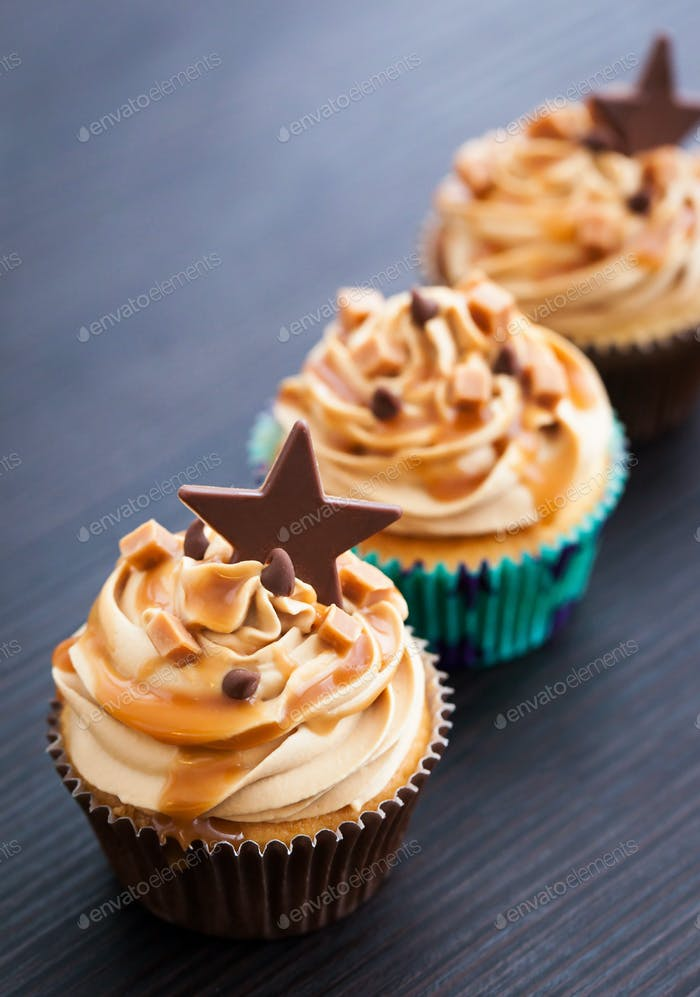 Cupcakes decorated with cream cheese