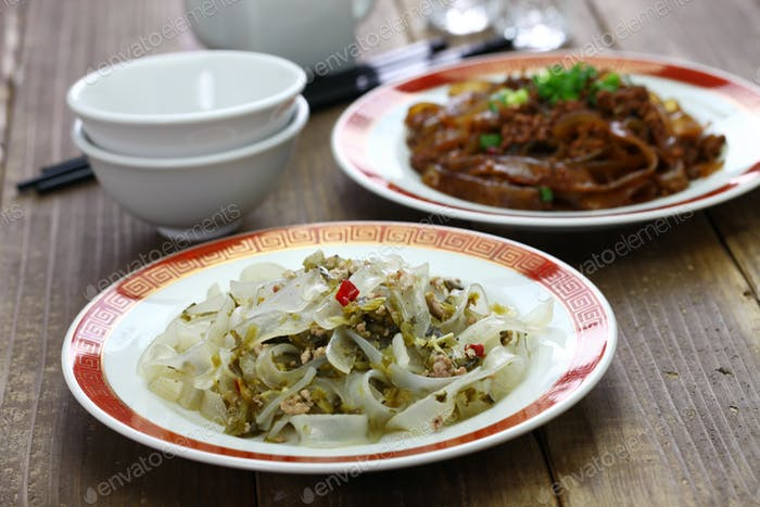 fenpi, green bean sheet jelly noodles, chinese home cooking