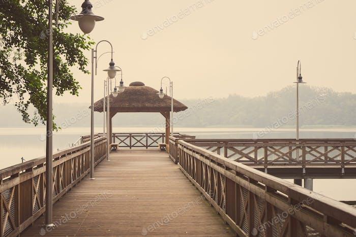 Vintage Foto, Holzsteg oder Pier am See