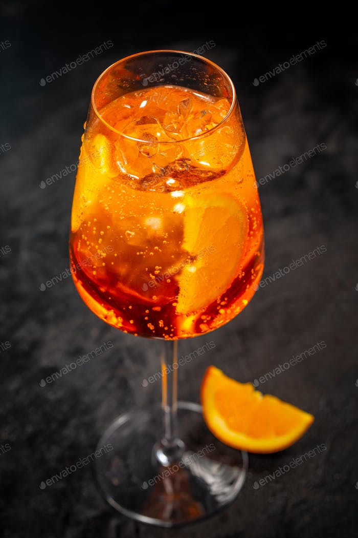 Classic italian aperol sprits cocktail