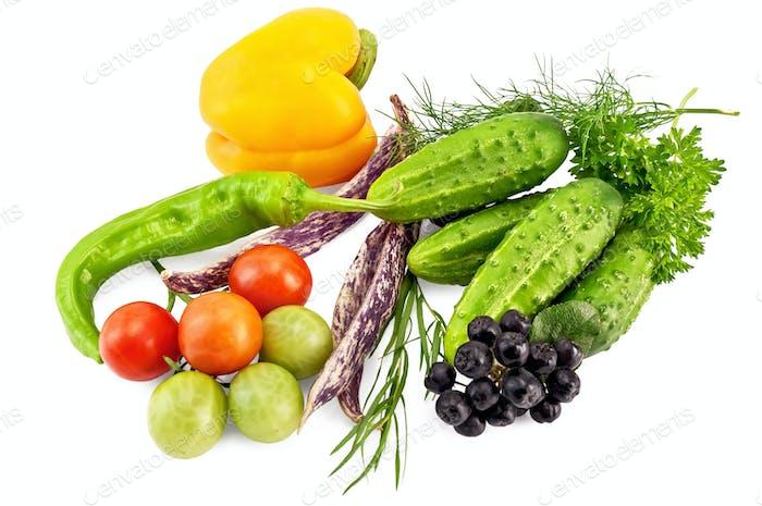 Gemüse auf weißem Hintergrund