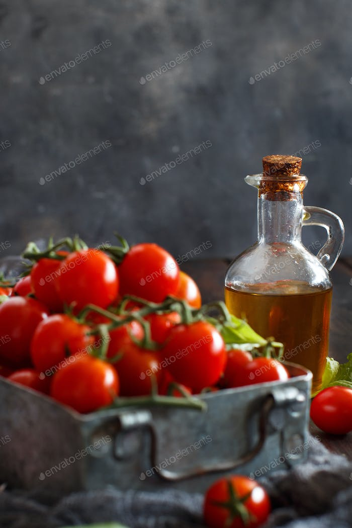 Cherry tomatoes, basil and olive oil
