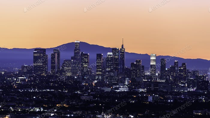 Downtown Los Angeles Skyline bei Sonnenaufgang